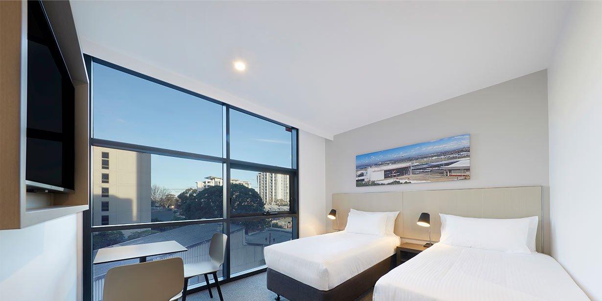 travelodge-hotel-sydney-airport-bedroom-twin-01-2017.jpg