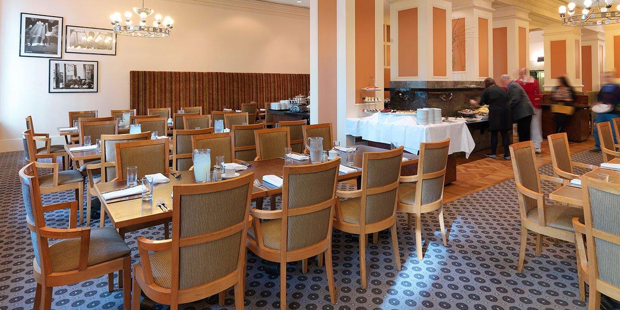 vibe-savoy-melbourne-hotel-curve-restaurant-2-2013.jpg