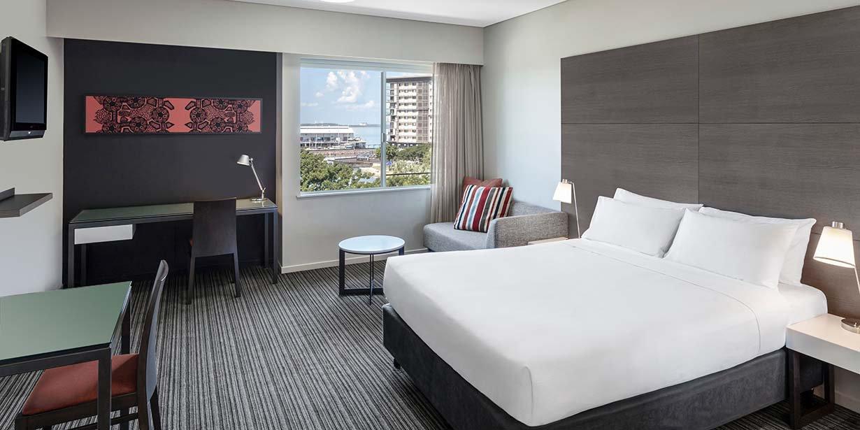 adina-apartment-hotel-darwin-waterfront-studio-view-room-2016.jpg