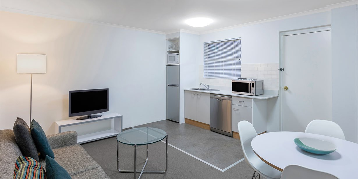 medina-serviced-apartments-canberra-kingston-one-bedroom-apartment-lounge-room-02-2017.jpg