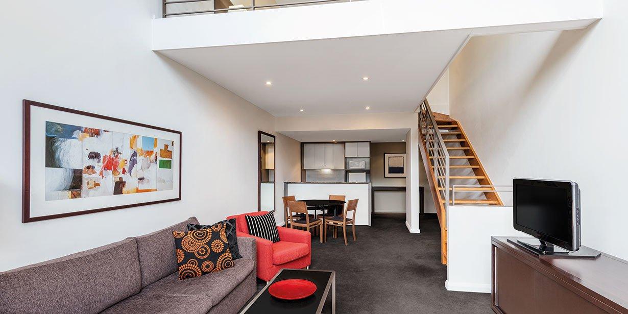 adina-apartment-hotel-sydney-central-loft-lounge-room-02-2016.jpg
