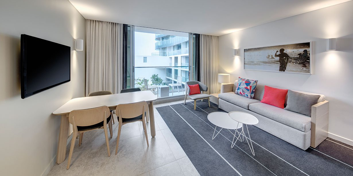 adina-apartment-hotel-bondi-beach-one-bedroom-apartment-lounge-2016.jpg