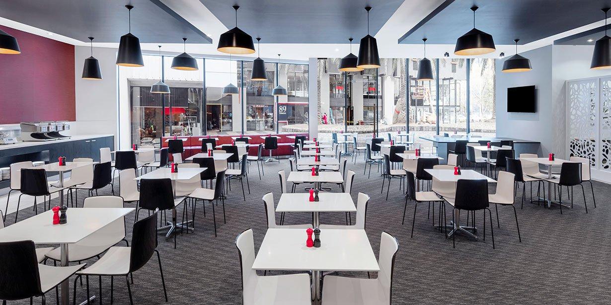 travelodge-hotel-southbank-melbourne-restaurant-01-2017.jpg