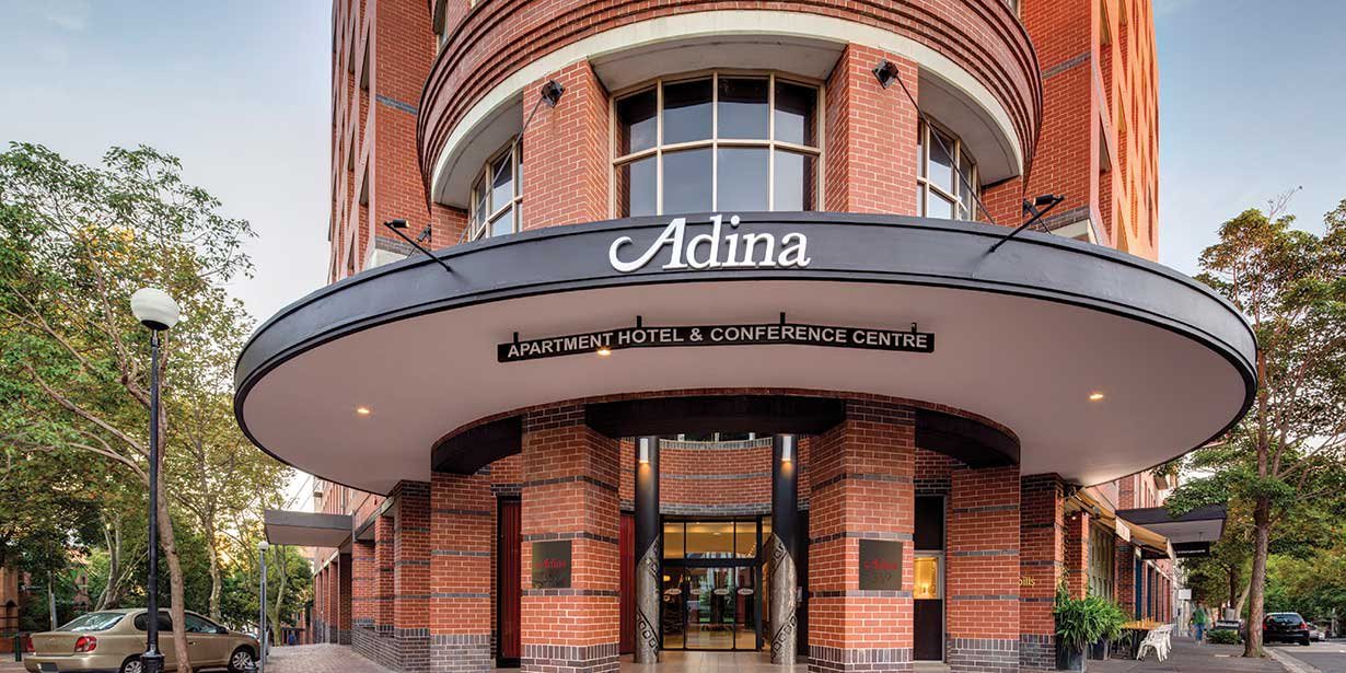 adina-apartment-hotel-crown-street-exterior-front-02-2016.jpg