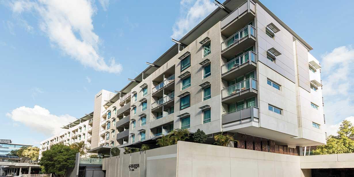 adina-apartment-hotel-perth-exterior-2017.jpg