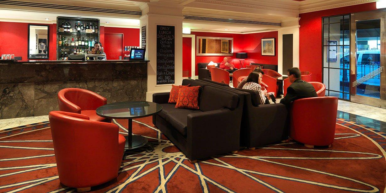 vibe-savoy-melbourne-hotel-alexander-bar-1-2013.jpg