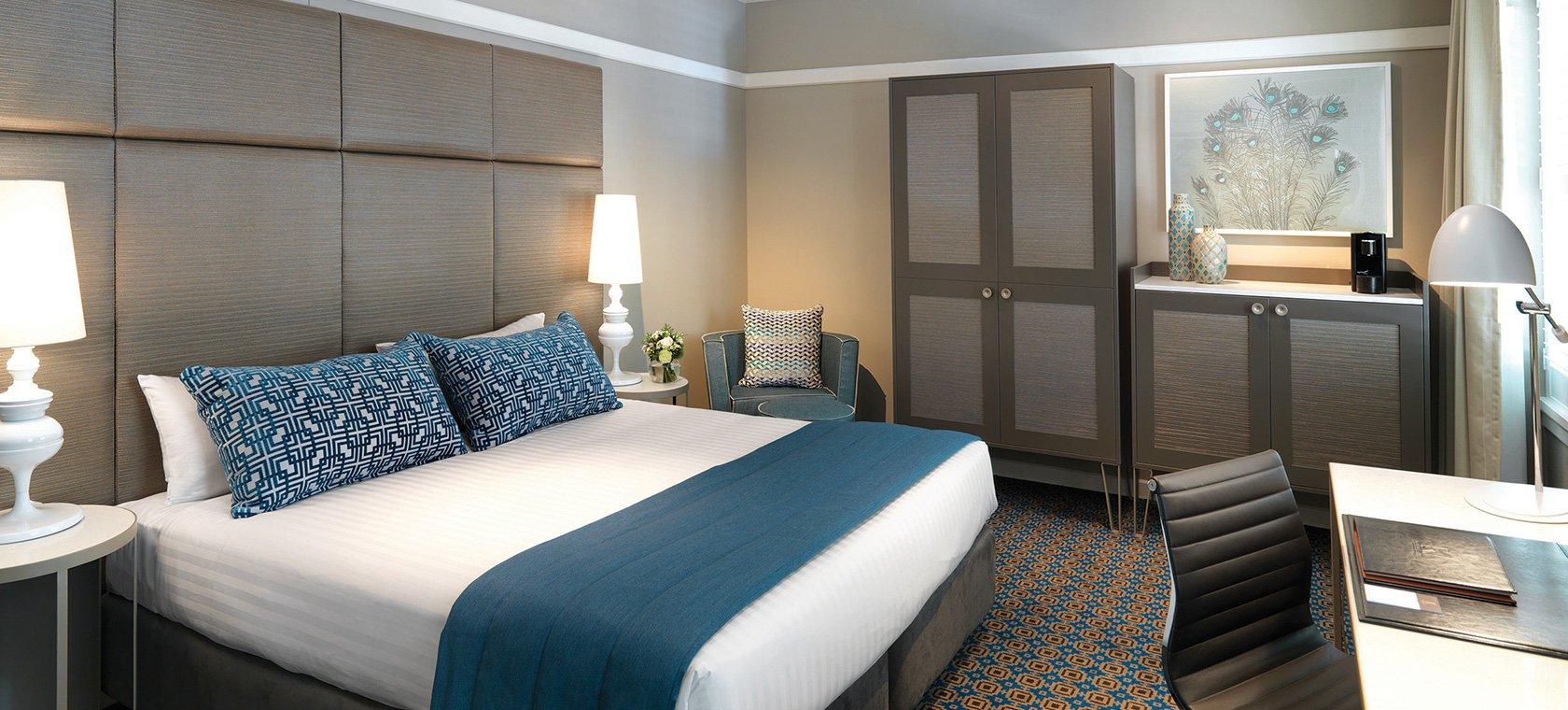 hotel-kurrajong-canberra-classic-room-king-02-2015.66-1.jpg