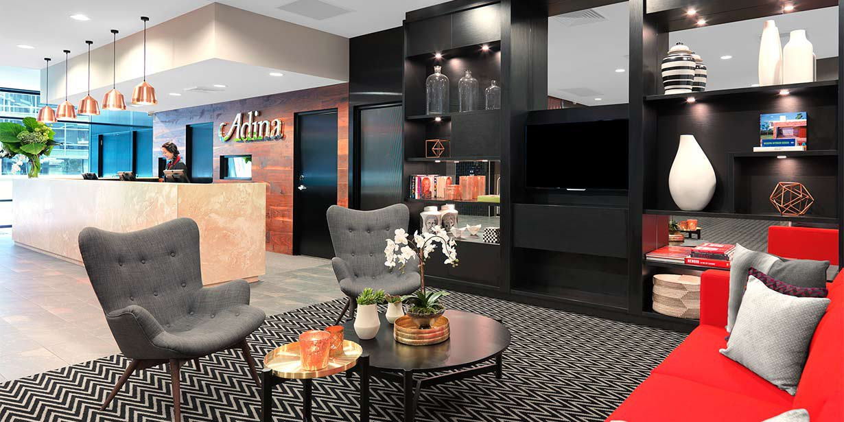 adina-apartment-hotel-sydney-airport-reception-lobby-2015.jpg