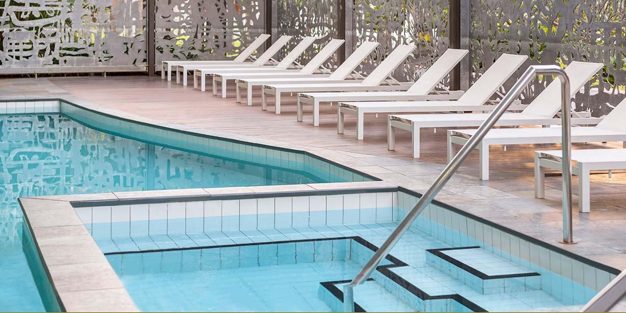 adina-vibe-hotel-darwin-waterfront-pool-2016.jpg