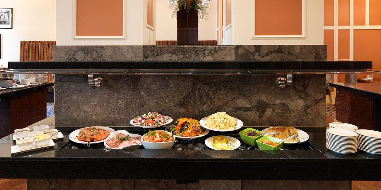vibe-savoy-melbourne-hotel-buffet-breakfast-2013.jpg