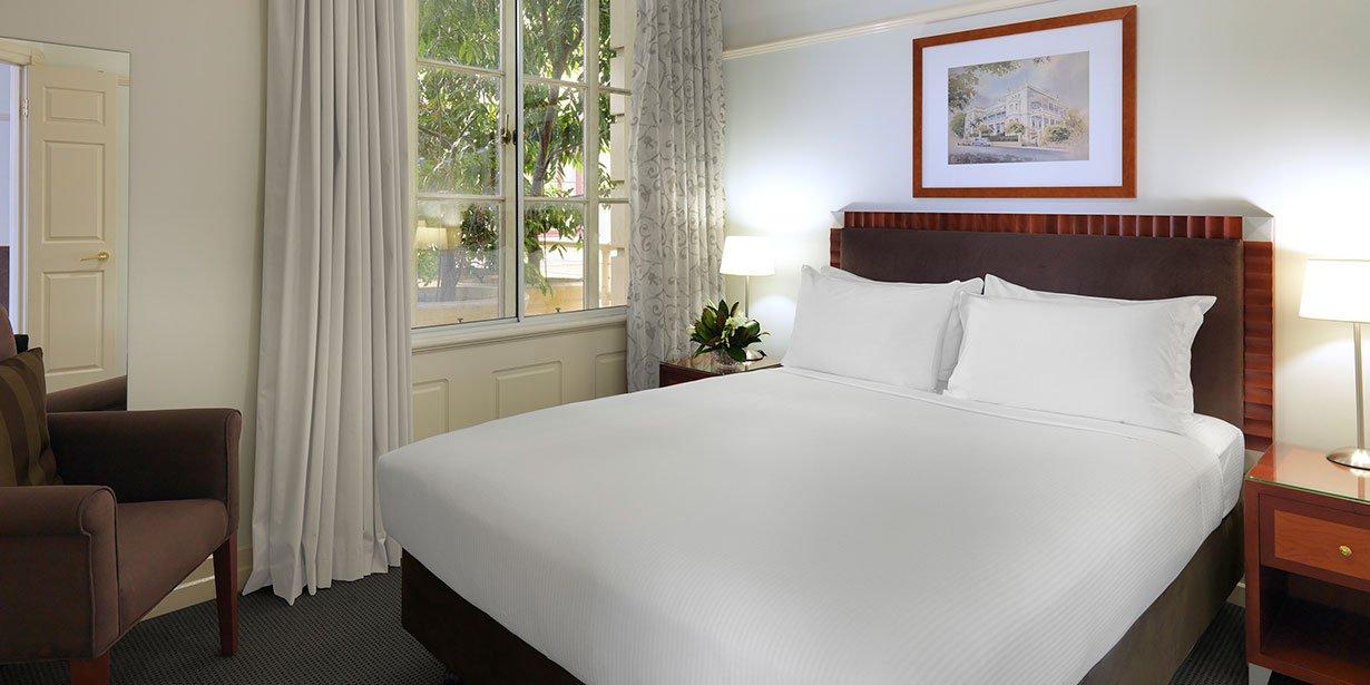 adina-brisbane-anzac-square-apartment-hotel-one-bedroom-2015.jpg