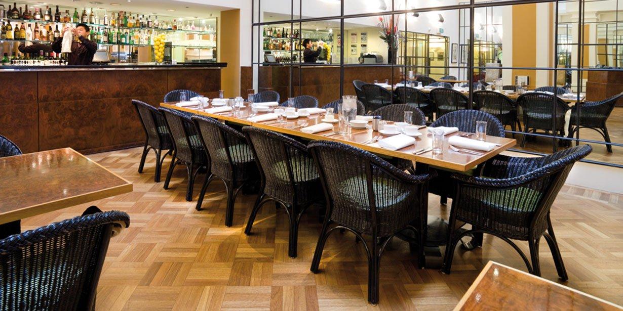 vibe-savoy-melbourne-hotel-curve-restaurant-1-2009.jpg