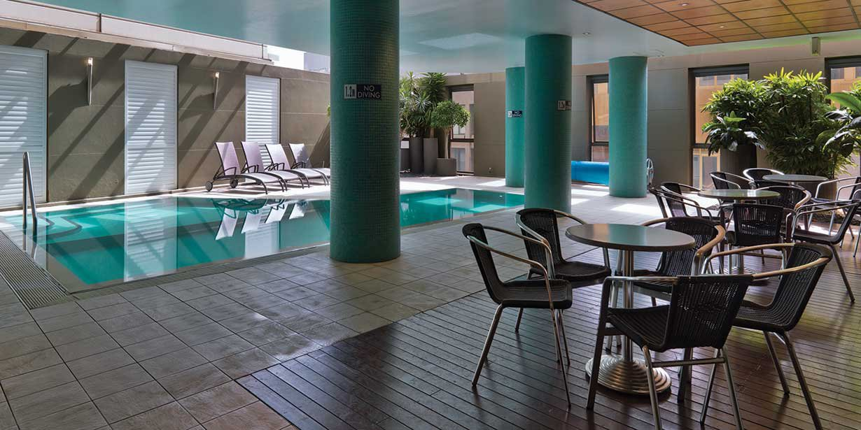 adina-sydney-apartment-hotel-pool-2-2012.jpg