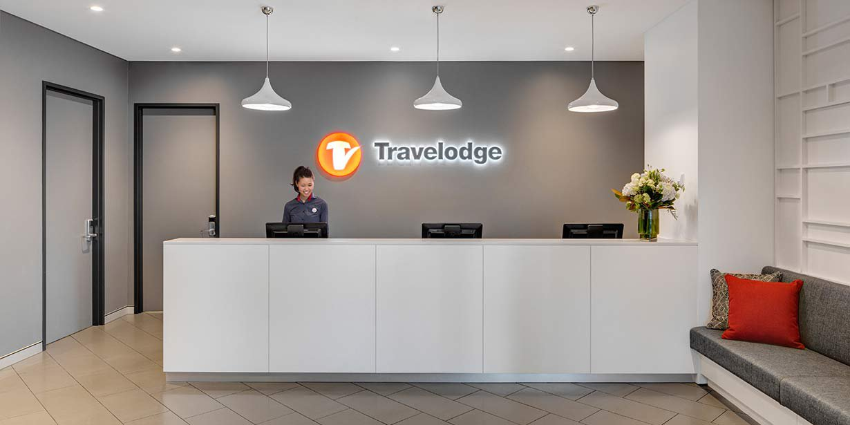 Travelodge-Bankstown-Hotel-Reception-01-2016.jpg