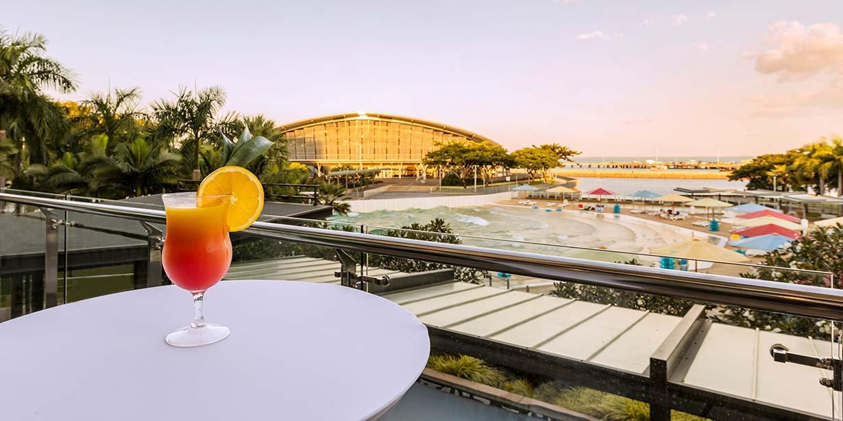 adina-vibe-hotel-darwin-waterfront-conference-shipwreak-balcony-2016.jpg