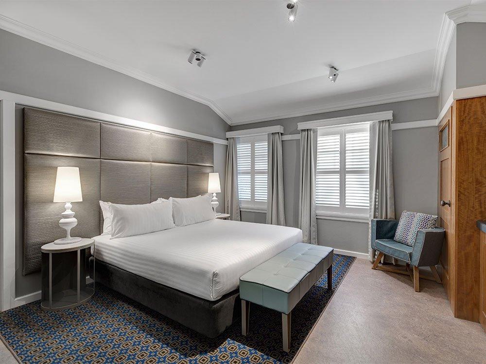 hotel-kurrajong-canberra-chifleys-room-king-1000x750.jpg