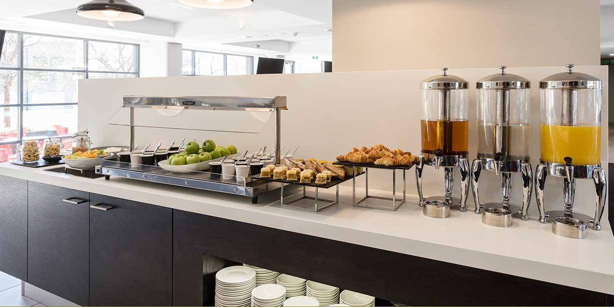 travelodge-hotel-macquarie-north-ryde-breakfast-buffet-2-2015.jpg