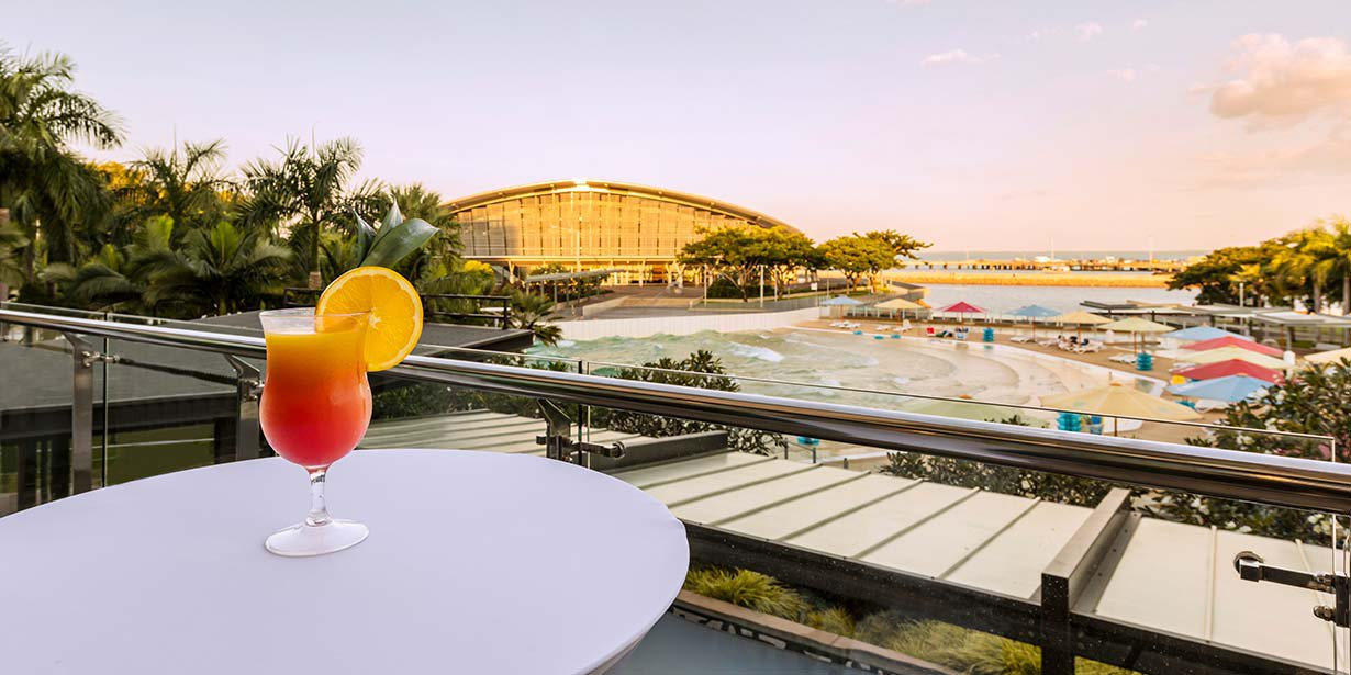 adina-vibe-hotel-darwin-waterfront-conference-room-shipwreak-balcony-cocktail-03-2016.jpg