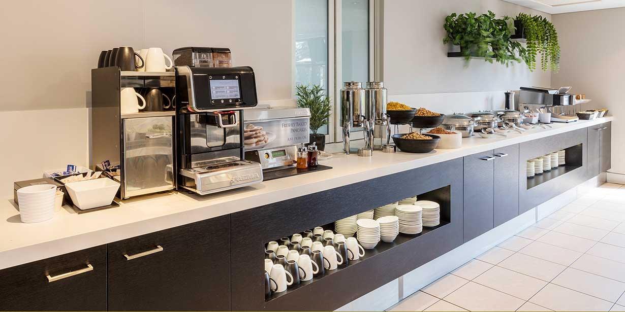 travelodge-macquarie-north-ryde-hotel-breakfast-buffet-1-2015.jpg