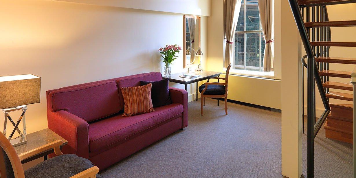 vibe-savoy-melbourne-hotel-junior-suite-1-2013.jpg