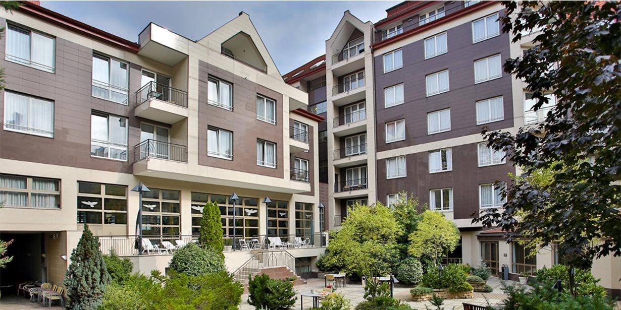 adina-budapest-apartment-hotel-garden-2-2013.jpg