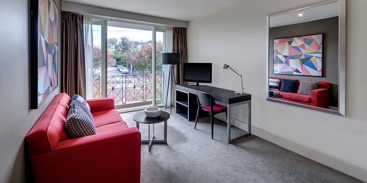 adina-apartment-hotel-south-yarra-melbourne-one-bedroom-lounge-2016.jpg