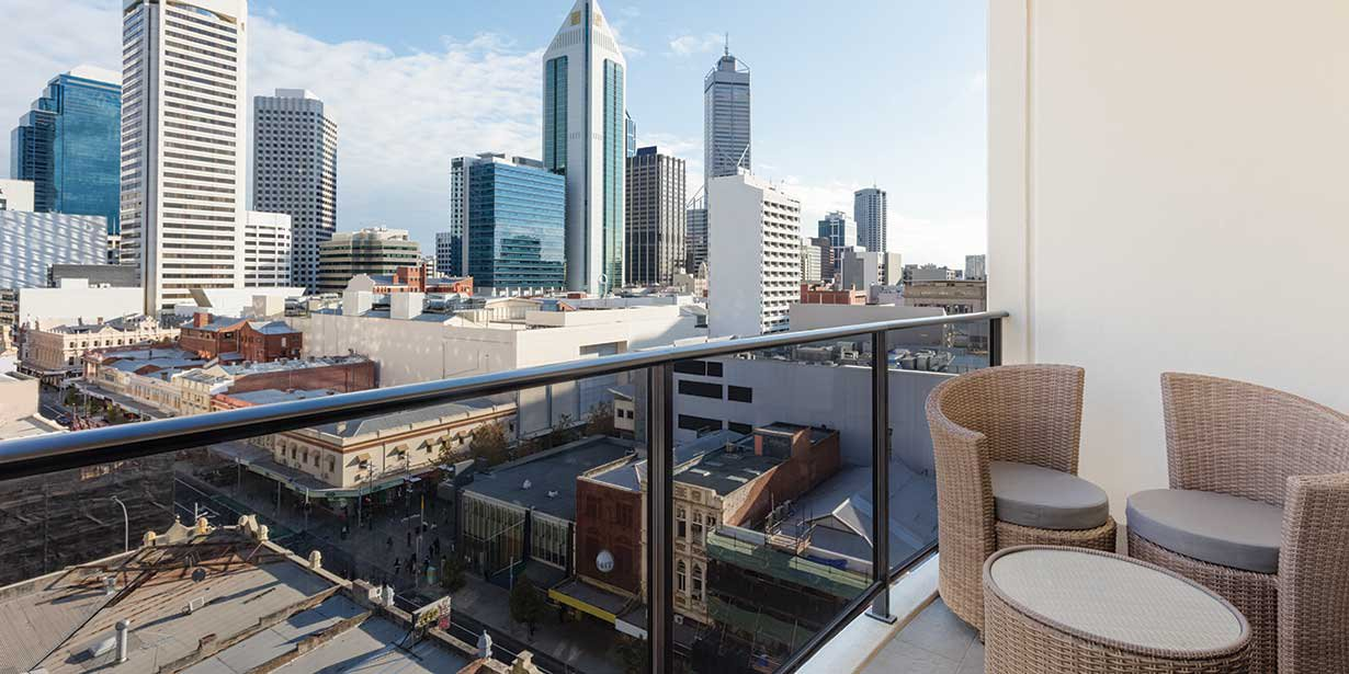 adina-apartment-hotel-perth-barrack-plaza-balcony-view-03-2016.jpg