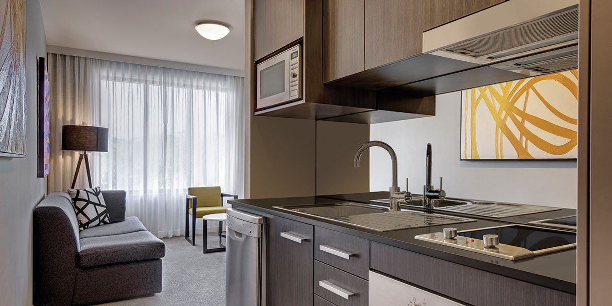 adina-apartment-hotel-norwest-sydney-one-bedroom-apartment-kitchen-02-2016.jpg