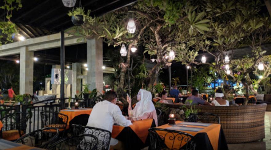 Gourmet & Cafe