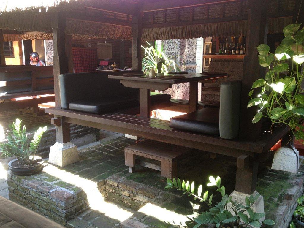 Sawasdeekha Thai Restaurant & Bar