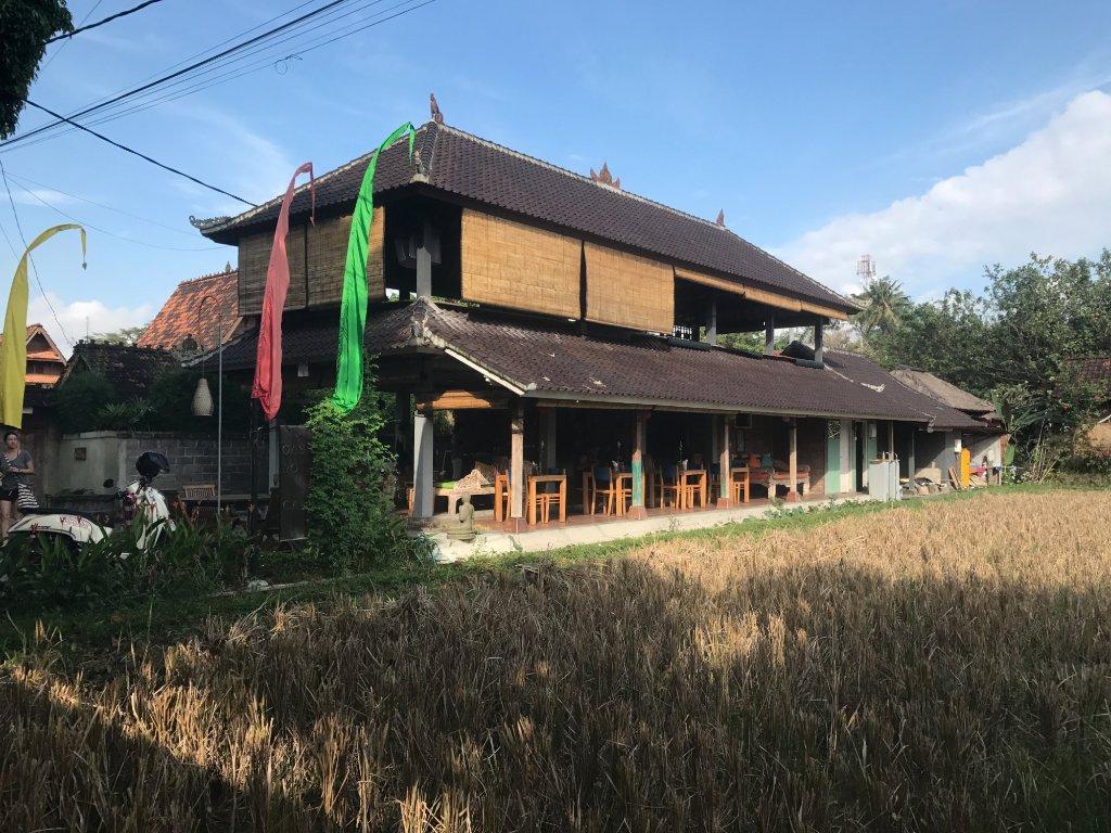 Oasis Yoga N Cafe