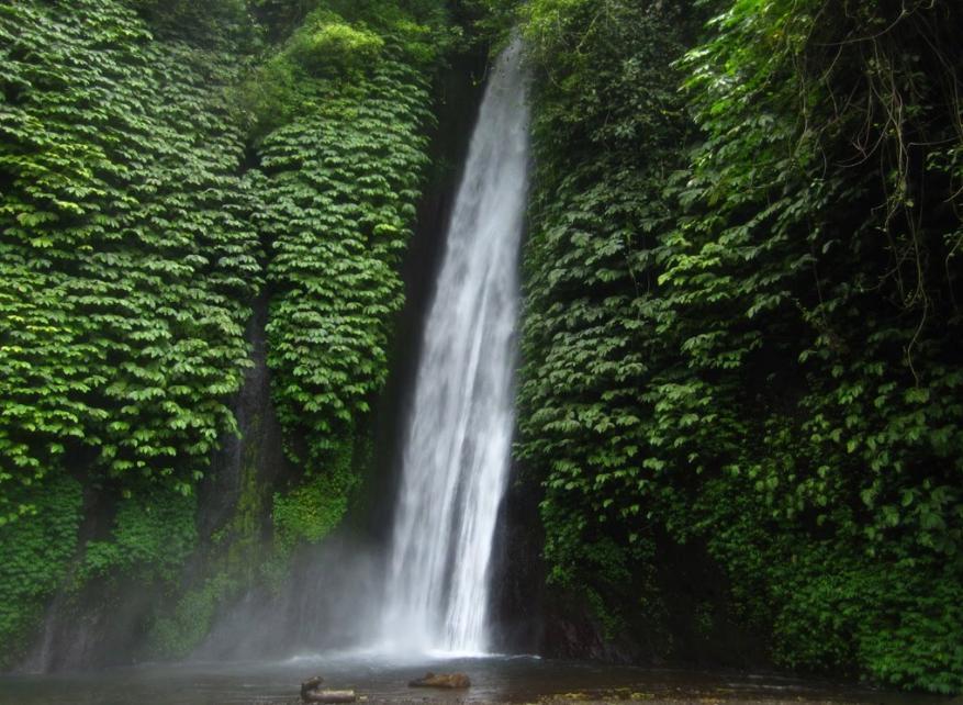Carat Waterfalls, Singaraja