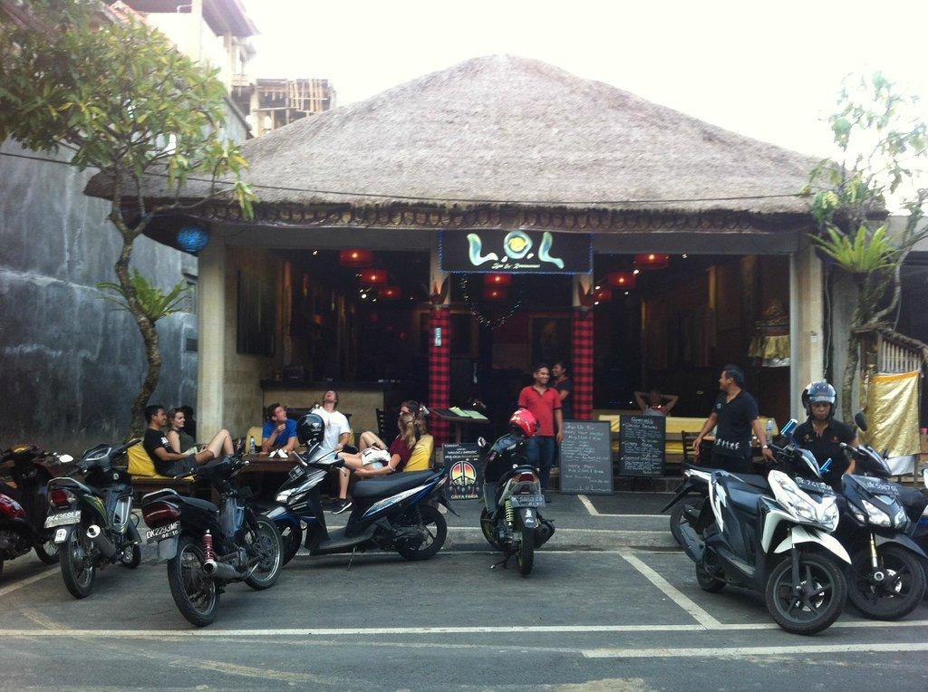 L.O.L Bar & Restaurant