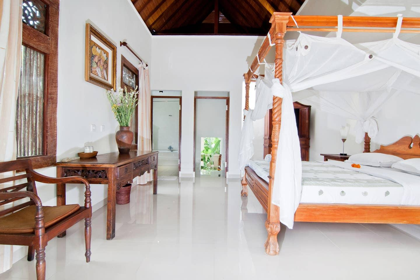 Cosy Balinese Village Cottage with Pool