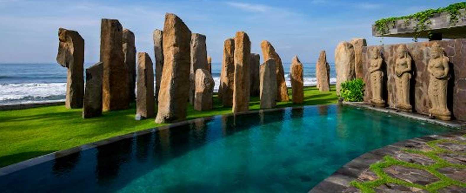 Standing Stone Restaurant & Beach Lounge
