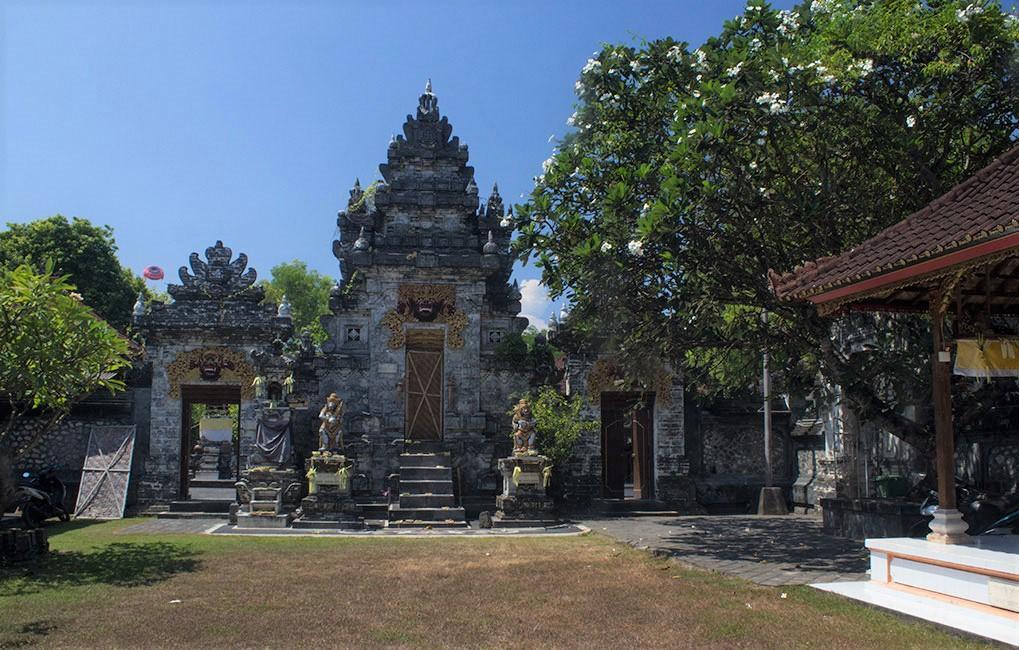 Dalem Tengkulung Temple