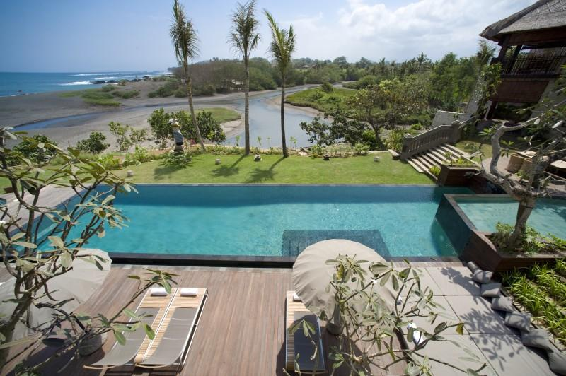 Ambra Luxury Beachfront Villa