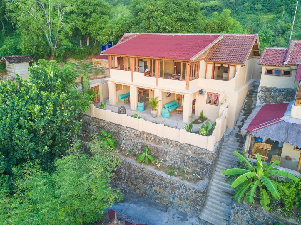 Bruce's Hideout Lombok