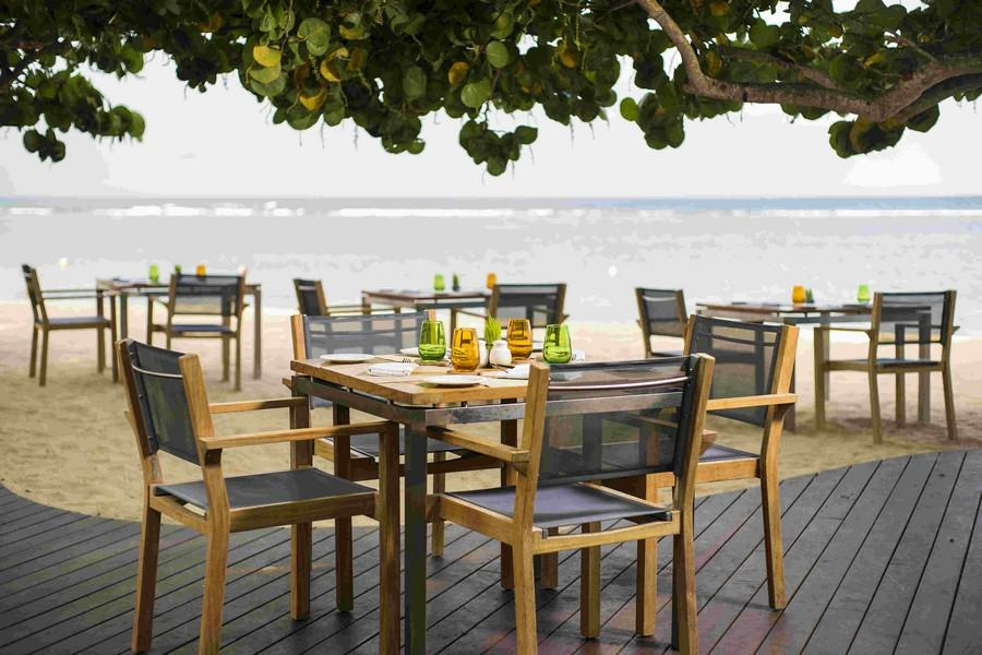 Chess Beachfront Restaurant & Bar