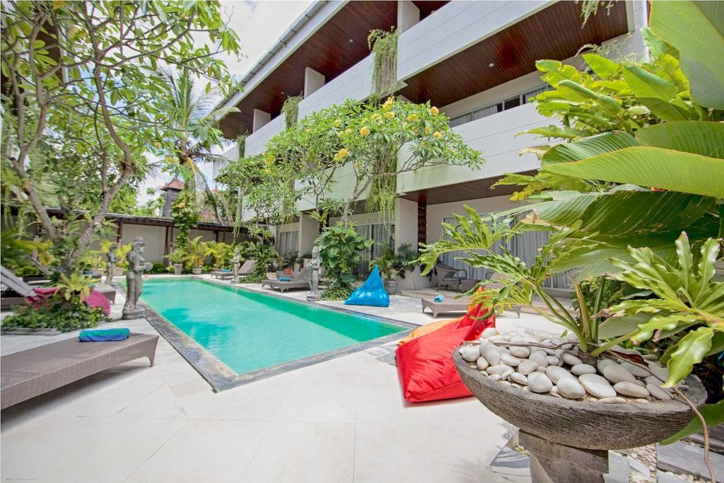Sunset Mansion Seminyak Apartment