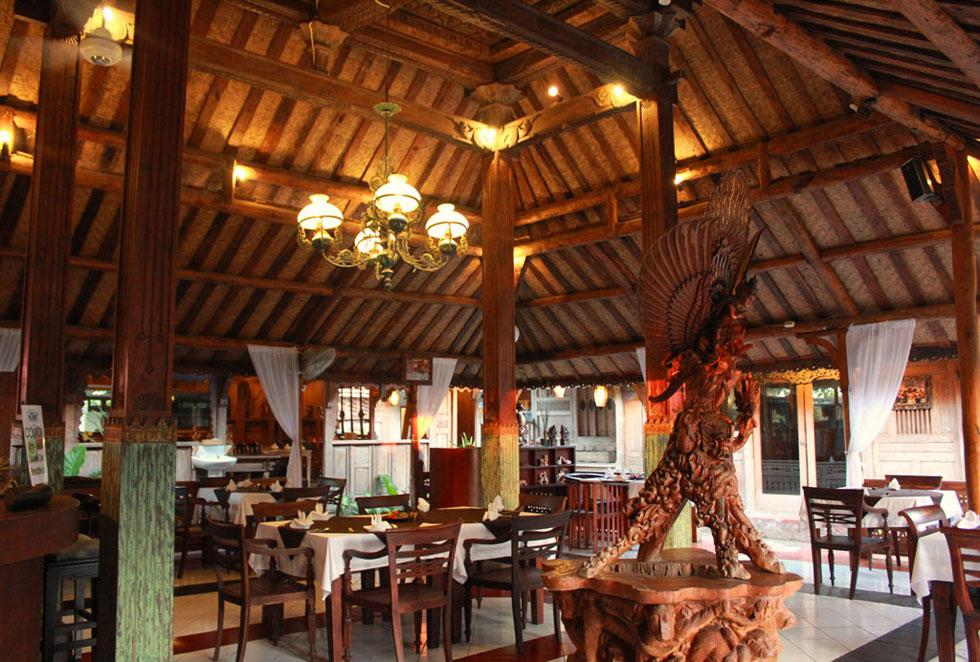 Kampung Bule Restaurant