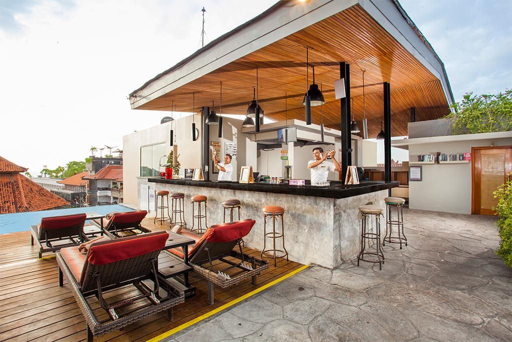 Chadis Roof Top bar - Swiss-Belinn Legian