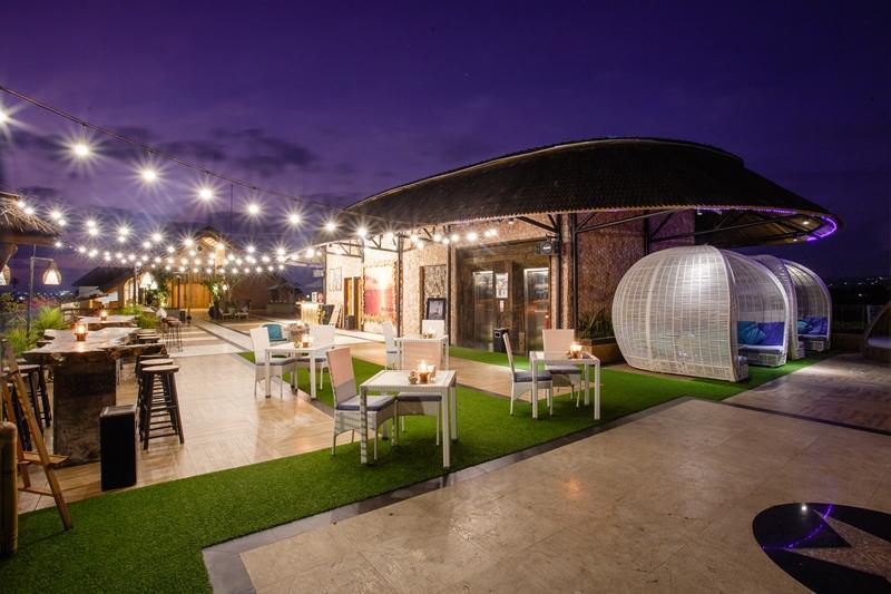 Baruna Sky Lounge Restaurant