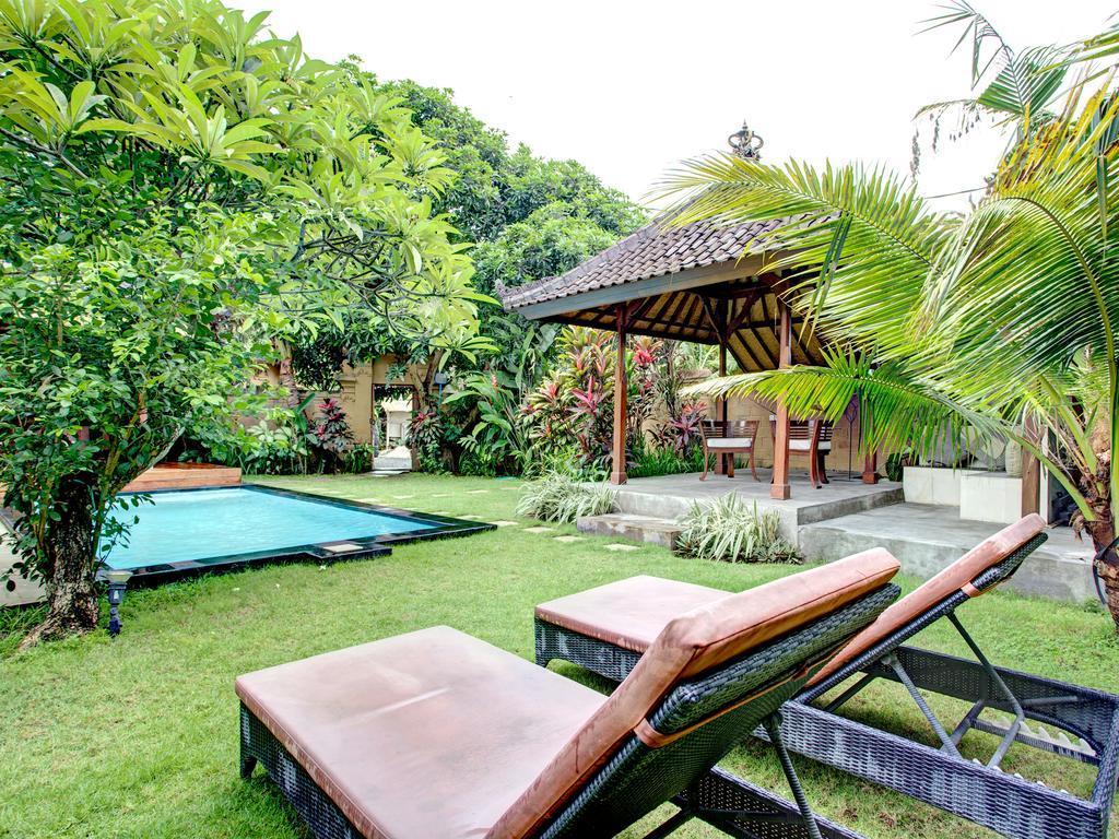 Villa Taman Rahasia