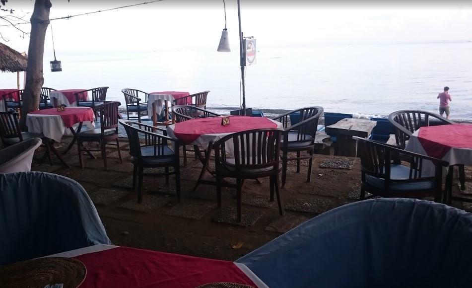 Amed Cafe and Kebun Wayan Hotel