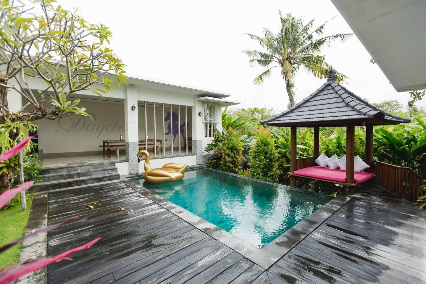 Leacott Retreats - Daydreams Villa