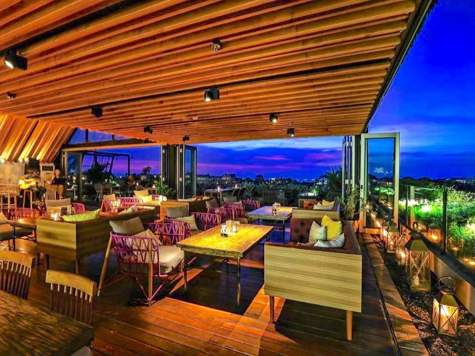 Above Rooftop Lounge & Bar