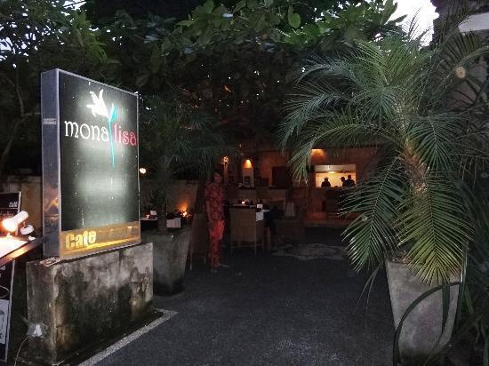 Monalisa Cafe