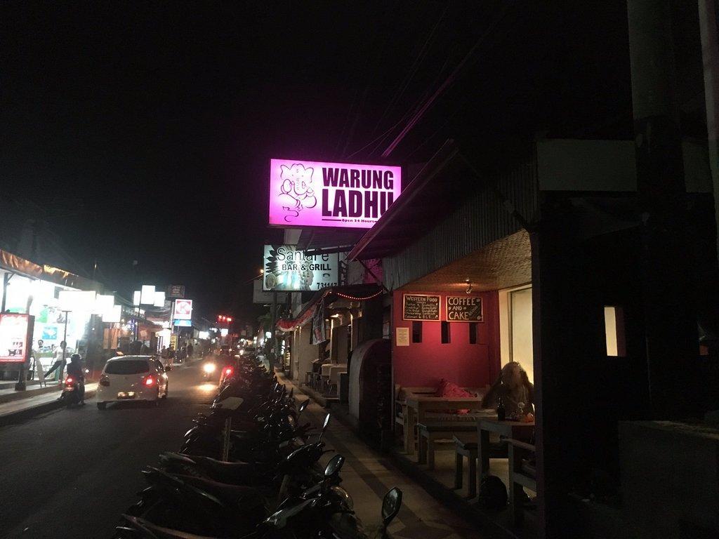 Warung Ladhu