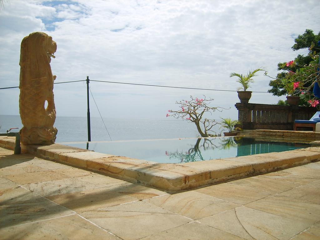 Bayu Cottages Hotel & Restaurant